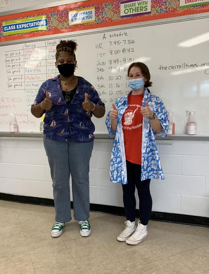 Senior Laura Wallon and junior Samantha Rock rocked the Tropical Tuesday theme during Spirit Week.